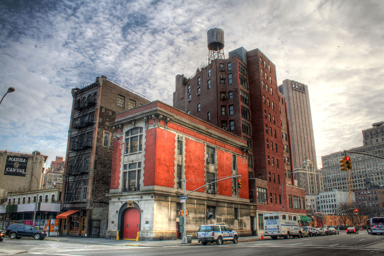 15556_1280px-Ghostbusters_Firehouse